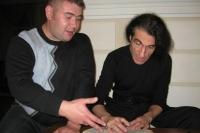 Одним из интереснейших собеседников Кирилла стал Юрий Наумов, очень самобытный автор, известный гитарист, композитор, создатель жанра «Русский блюз», поэт, лидер некогда известной группы «Проходной двор».