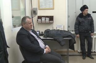 Бывший зам Юревича, устроивший авиадебош, пытается выйти из СИЗО под залог