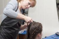 И косы плести, и маникюр делать научат в центре «Ориентир».