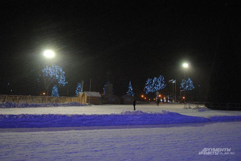 Площадь Ленина; метель и огни