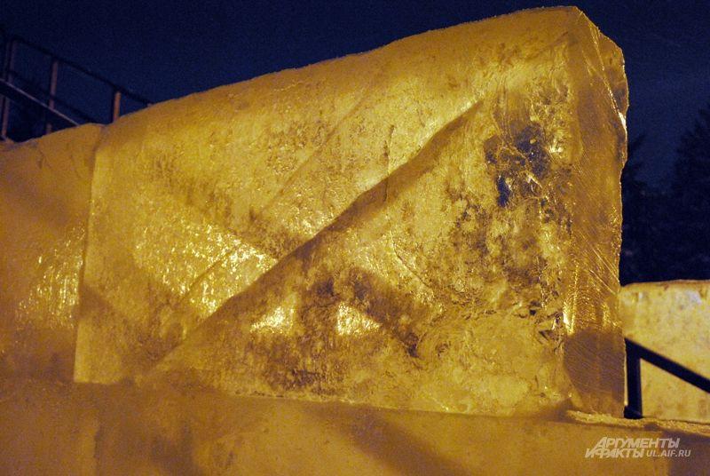 Лёд – может быть и не вечный, но очень красивый стройматериал