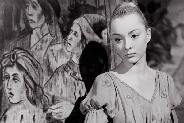 Ещё будучи студенткой Вертинская снялась ещё в одном кинохите – «Гамлете» Григория Козинцева. В этом фильме она играла вместе с Иннокентием Смоктуновским, Михаилом Названовым и Юрием Толубеевым.