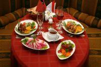 Сделать новогодний стол вкусным и быстром очень легко. Главное проявить фантазию!