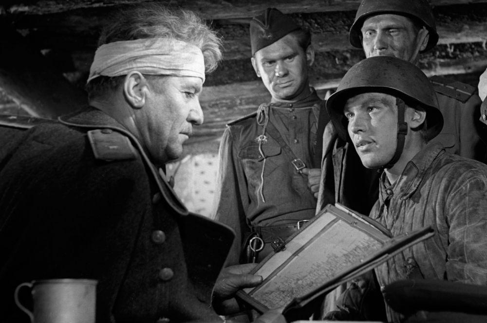 В 1959 году Николай Крючков исполнил роль харизматичного генерала в военной драме «Баллада о солдате». Эта картина в 1962-м получила премию Британской академии кино в номинации «лучший фильм».