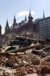 В 2002 году гостиница была закрыта не реконструкцию, а двумя годами позже завершился демонтаж старого здания.
