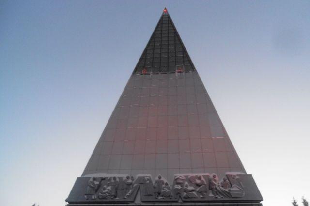 В Ханты-Мансийске в обновленной стеле «Первооткрывателям земли югорской» открылся «Экзотариум». Открытие состоялось в субботу 22 декабря.