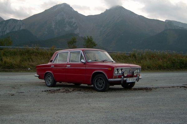 В 1972 году ВАЗ выпустил третью модель линейки, разработанную совместно с Fiat. За счёт 78-сильного двигателя ВАЗ-2103 разгонялся до 100 км/ч за 17 секунд и был самым динамичным советским серийным автомобилем того времени.