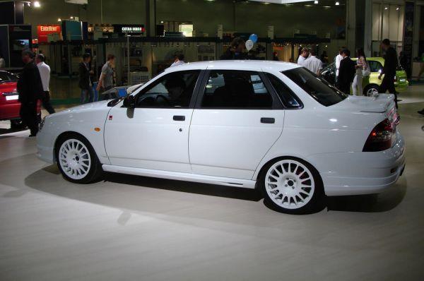 В 2007 году был представил седан «Лада Приора», за которым последовали модели в кузове хэтчбек и трёхдверные купе. Завод также вёл разработку кабриолета на базе «Приоры», которая к 2009 году полностью вытеснила с конвейера линейку «Лада 110».