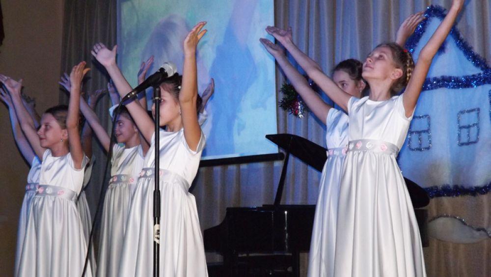 Девочки выглядели как маленькие ангелы