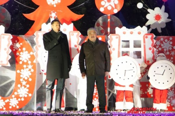 Мэр Иркутска Виктор Кондрашов поздравил всех с наступающим.