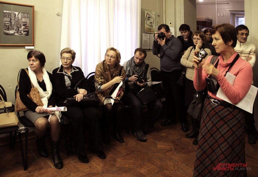 Собрались многочисленные ульяновские фотографы, ценители искусства и представители прессы