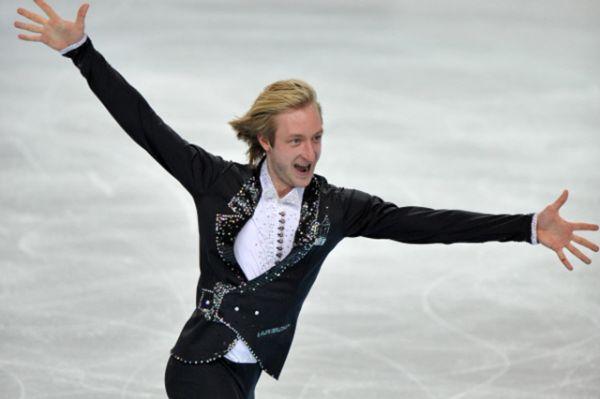 В английском Шеффилде в январе 2012 года Плющенко в седьмой раз выиграл чемпионат Европы, установив рекорд в послевоенной истории мужского одиночного катания.