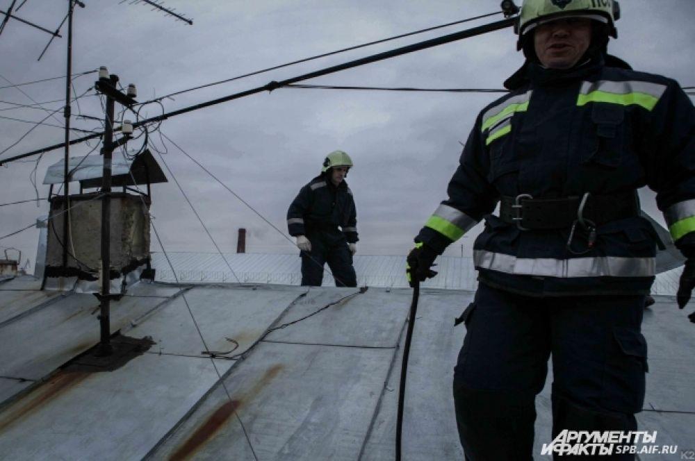 Работ на крышах Петербурга