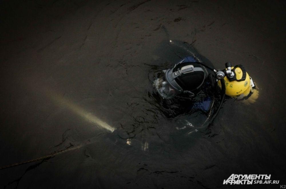 Водолаз спасательного отряда