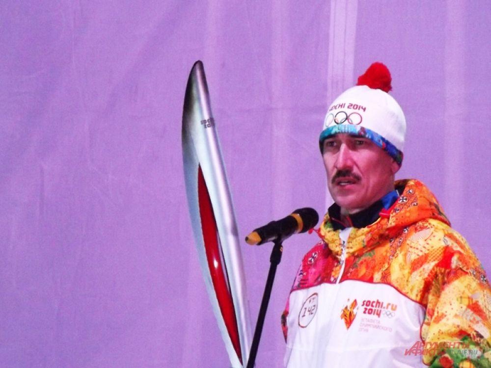 Олимпийский чемпион Владимир Крылов поздравил Ульяновцев