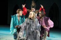 Сцена из спектакля ТЮЗа «Кентервильское привидение».