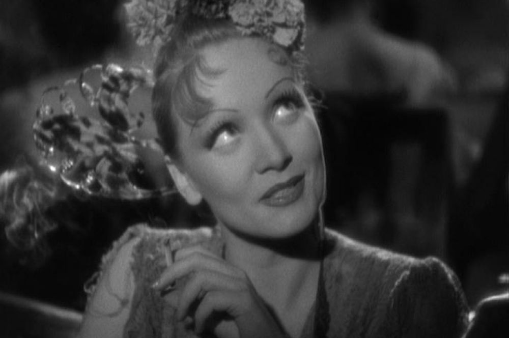 Высоких оценок удостаиваются и другие работы Дитрих и Штернберга – «Шанхайский экспресс» в 1932 году получил «Оскар» за операторскую работу, а «Дьявол – это женщина» - приз Венецианского кинофестиваля в той же номинации.