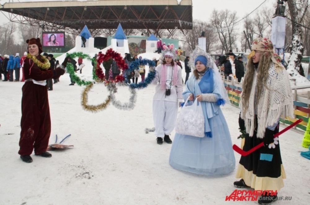 Главная городская ёлка открылась в Омске.