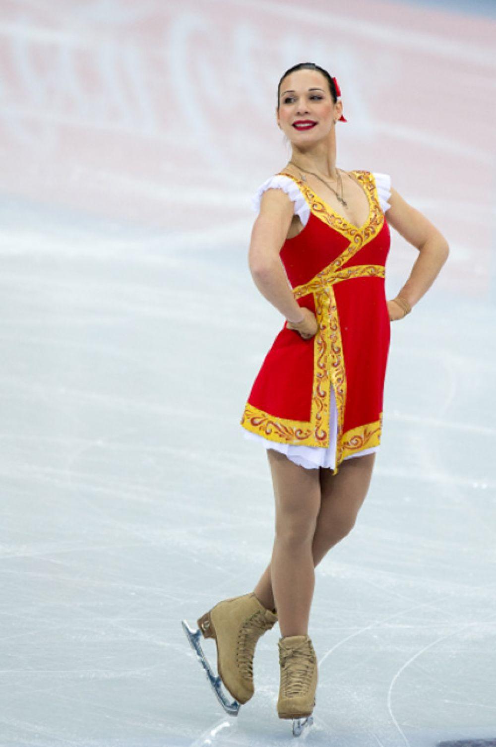 5-е место, Алена Леонова, 23 года, бронзовый призер чемпионата России сезона 2011/12, третье место в финале мирового Гран-при 2011/12, серебряный призер чемпионата мира 2011/12, серебряный призер чемпионатов Росси 2010/11 и 2009/10.