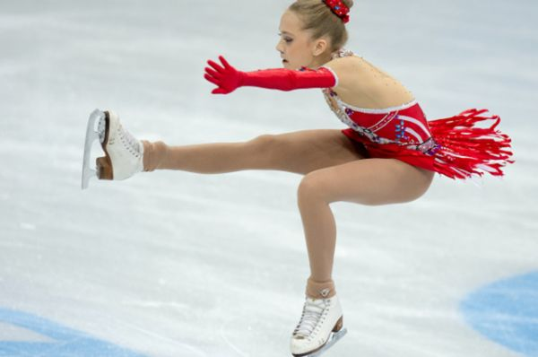 3-е место, Елена Радионова, 14 лет, победительница чемпионата мира среди юниоров 2012/13, серебряный призер чемпионата России 2012/13, победительница первенства России среди юниоров 2012/13, победительница финала юниорского Гран-при 2012/13.
