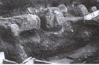 Общий вид разрушенных экскаватором руин храма на улице Соболева.