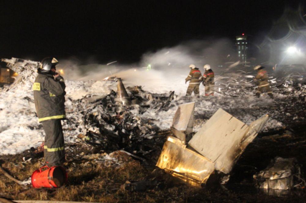 17 ноября во время захода на посадку в аэропорту Казани потерпел крушение пассажирский «Боинг 737» авиакомпании «Татарстан». На борту лайнера находились 44 пассажира и шесть членов экипажа. Все они погибли.