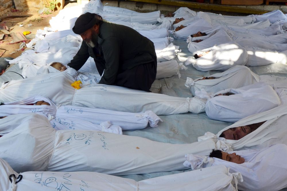 21 августа по Гуте в пригороде Дамаска были выпущены ракеты, начинёнными нервно-паралитическим газом зарин. По разным оценкам в результате атаки погибли от 280 до 1730 человек. В настоящее время неизвестно, кто именно совершил это военное преступление.