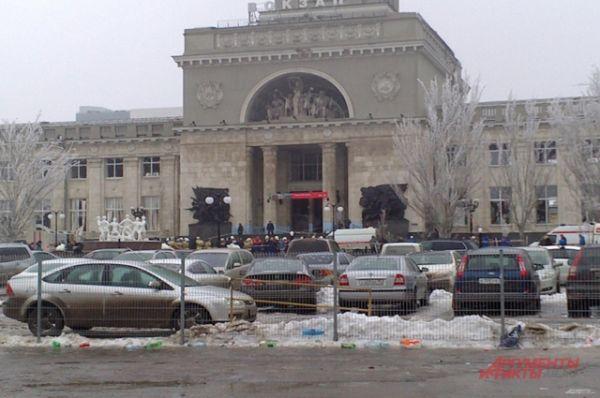 По данным Национального антитеррористического комитета (НАК), взрыв могла устроить террористка-смертница.