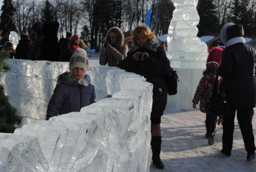 За ледяной стеной