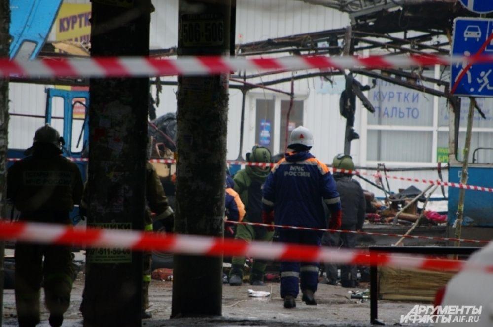 Как ранее сообщил источник в силовых структурах региона, троллейбус мог взорвать террорист-смертник.