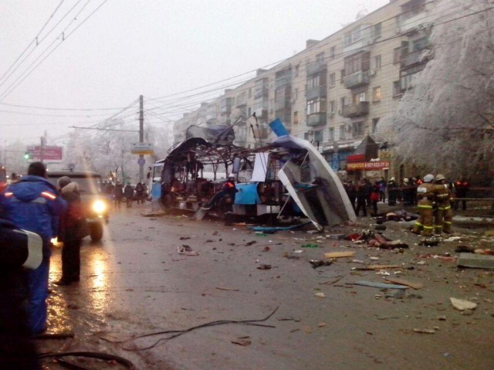 По предварительным данным, не менее 10 человек погибло, 15 пострадали.