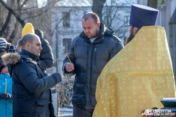 У памятника Илье Муромцу провели молебен.