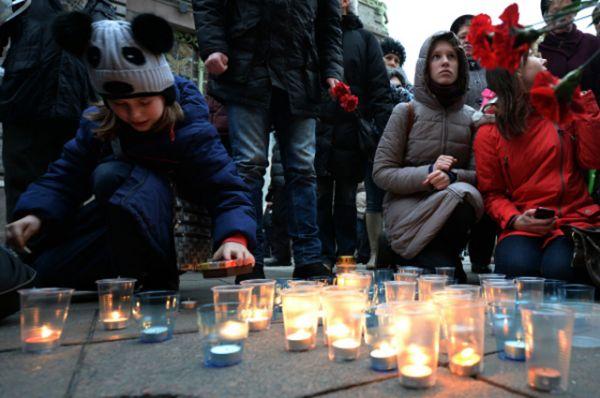 В дни траура в Волгограде и других городах России были также проведены акции памяти о погибших в волгоградских терактах, унесших 34 жизни. Еще 65 пострадавших остаются в больницах Москвы и Волгограда.