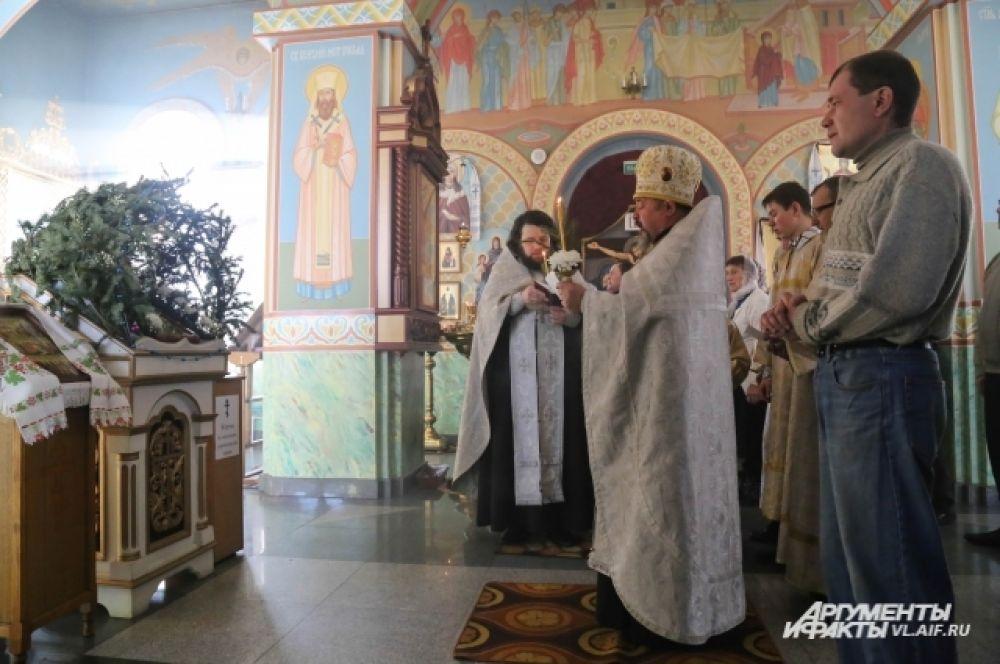 Божественная литургия в Храме Вознесения Господня в Спасске-Дальнем.