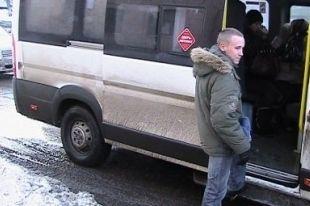 В Челябинске маршрутное такси столкнулось с грузовиком