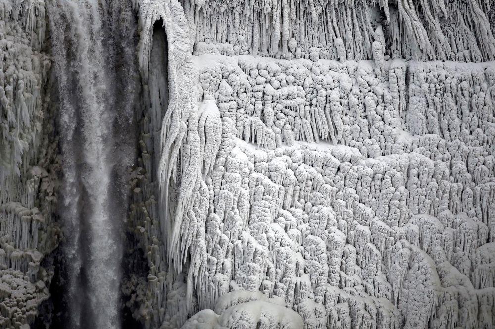 Нехарактерные заморозки застали США врасплох – местные коммунальные службы оказались не готовы к подобным катаклизмам.