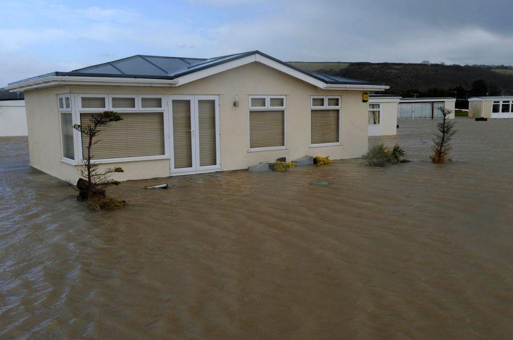 В Уэльсе первые дни нового года были омрачены наводнениями в некоторых районах страны. Среди пострадавших районов стал популярный парк Кармартен.