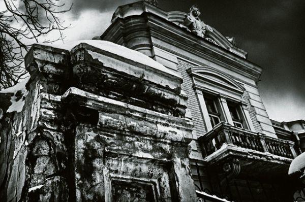 Дом барона фон Штемпеля, где сейчас располагается Музей современного изобразительного искусства. В этом здании несколько дней назад началась масштабная реконструкция
