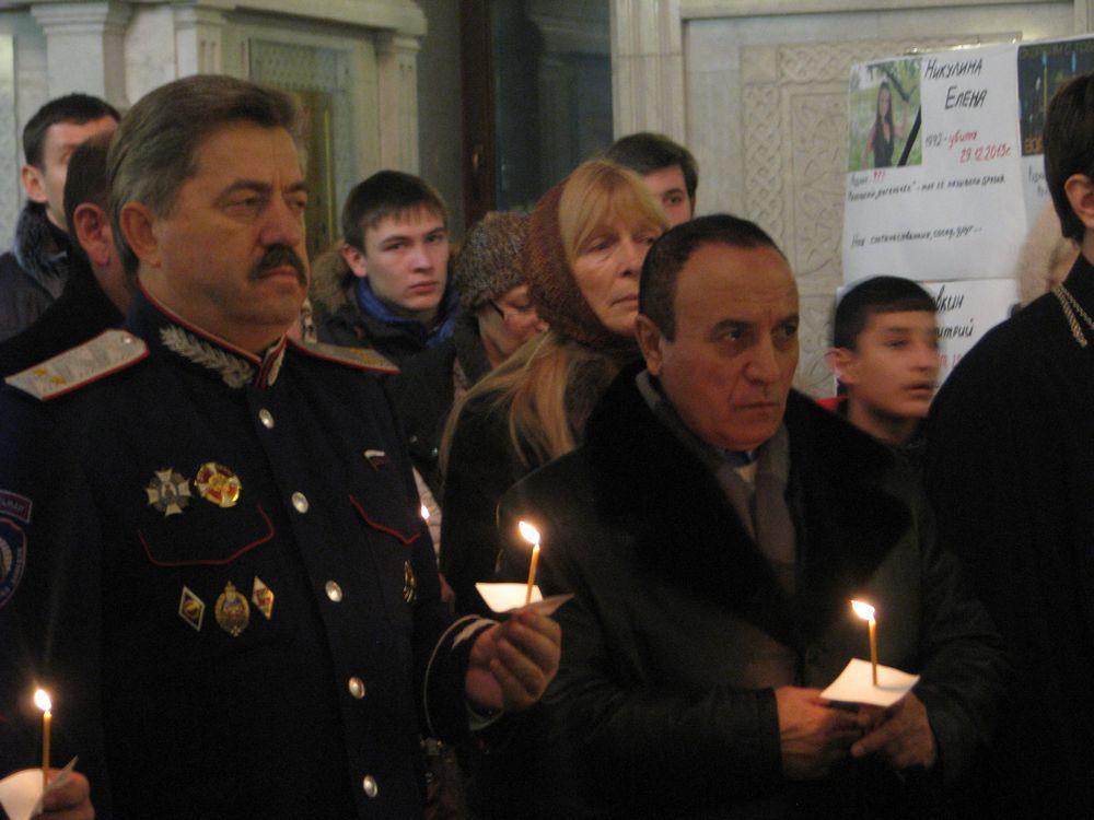 После терактов в Волгоград были направлены ростовские спасатели и спецтехника.
