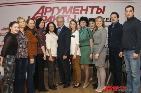Фотография на память: Александр Усс в редакции еженедельника