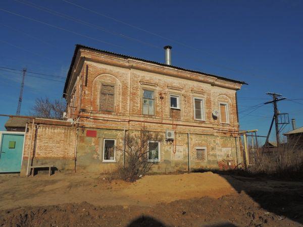 В конце 18 века Дубовка была крупным промышленным центром. Здесь проживали богатые купцы и помещики. Так, в этом доме жил знатный делец Воронин.