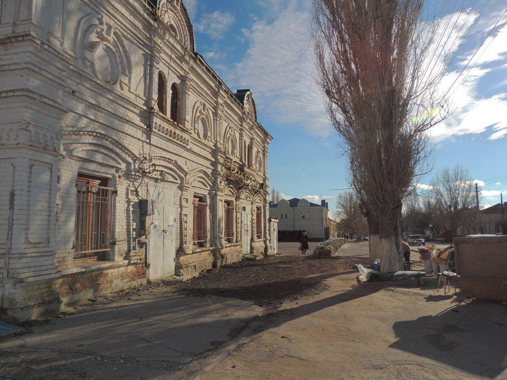 Центральные улицы Дубовки сохранили свою первоначальную архитектурную красоту 18 века.