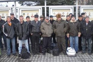 Чиновники отправят уволенных работников ЗМЗ на вахту