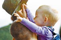 Пока солдат служит, о его ребёнке заботится государство.