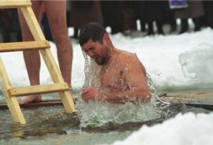 ... пришлось наращивать лед на реке: ugra.aif.ru/society/1082222