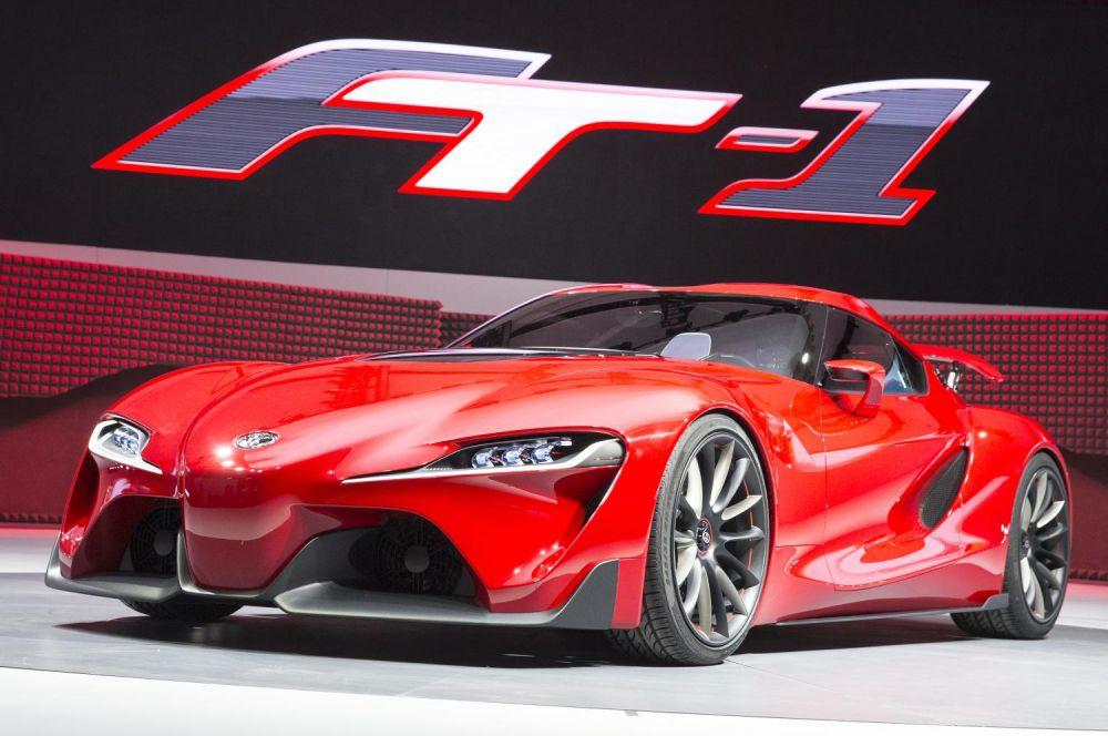 Toyota FT-1. Концепт был разработан дизайнерским бюро Toyota на основе моделей FT-86, FT-HS и Lexus LF-LC и стал главной неожиданностью автосалона. Впрочем, внутри этого автомобиля ничего нет – это лишь шоу-кар, призванный показать достижения дизайнеров.