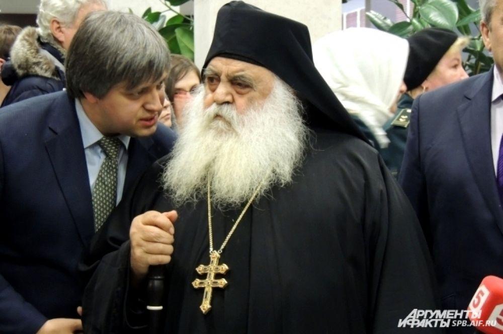 Архимандрит Парфений доволен пребыванием святыни в России