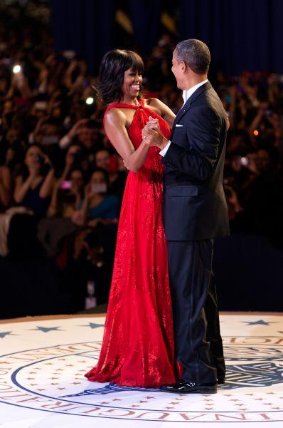 Мишель и Барак Обама на инаугурационном балу в честь второго избрания Барака Обамы президентом США, Вашингтон, 21 января 2013 года.