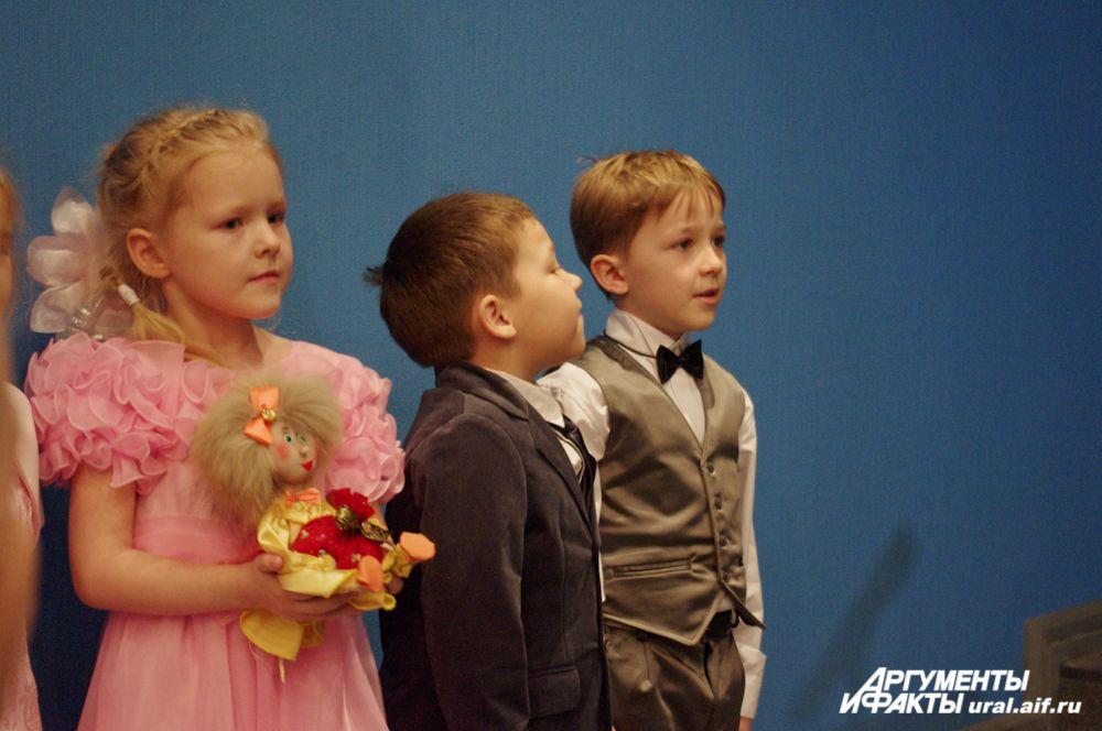 Юные ирбитчане приготовили именитой гостье свой подарок.