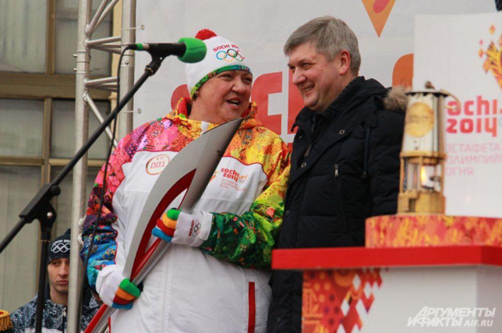 Ирина Макогонова стала первым факелоносцем в Воронеже.